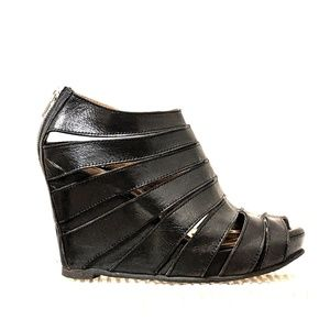 Shoes - Black leather sandles with wedge heels